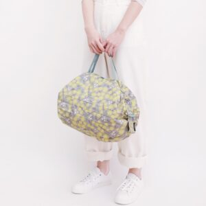 shupatto-compact-bag-m-chamomile-hana-model-detail