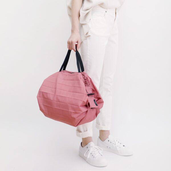 shupatto-compact-bag-m-peach-momo-model-model
