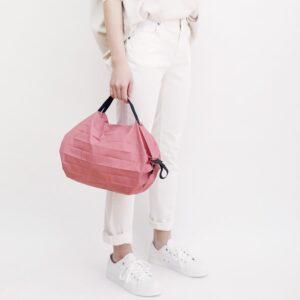shupatto-compact-bag-s-peach-momo-model