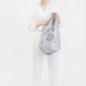 shupatto-compact-foldable-shopping-bag-drop-m-poppy-model-detail