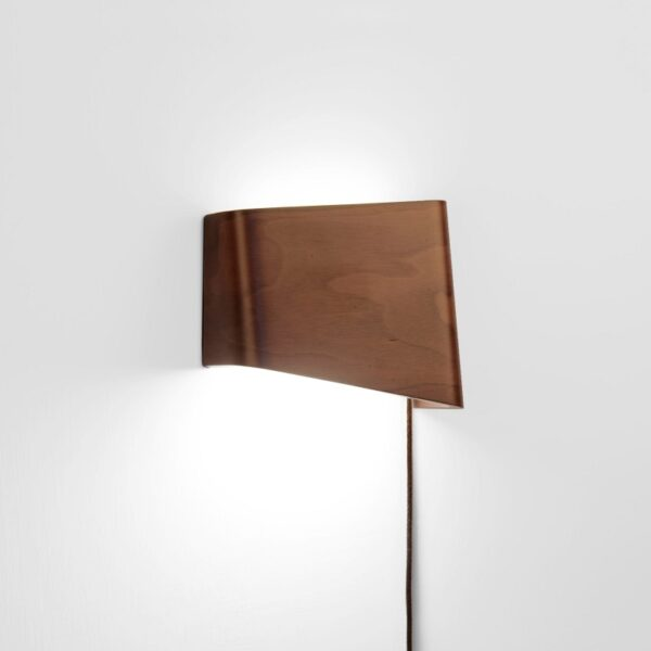 meta-design-slices-walnut-led-wall-reading-lamp