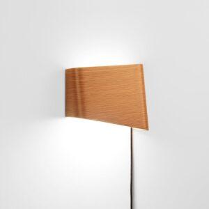 meta-design-slices-white-oak-led-wall-reading-lamp