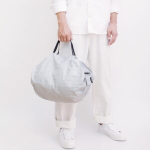 shupatto-compact-bag-m-stripes-sen-model-detail